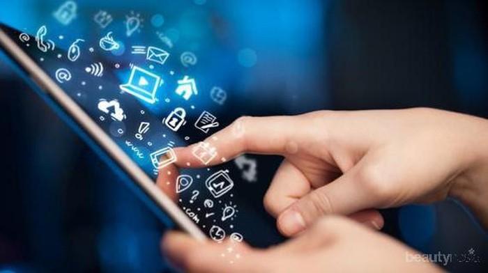 4 Aplikasi Smartphone